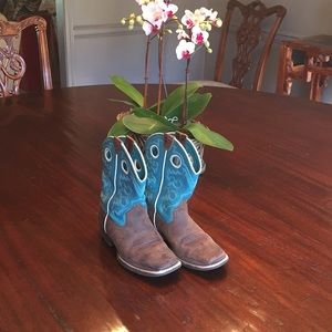 Cute Ariat girls boots